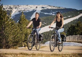 https://www.clootbike.com/images/categories_gallery/bicicletas-hibridas.jpg